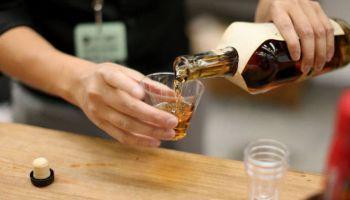 Por que o álcool vicia?